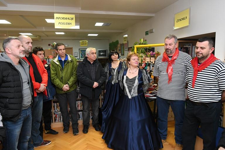 """OTVORENA IZLOŽBA """"PUSNI LITRATI HALUBAJSKEH ZVONČARI""""- 18.1.2018."""